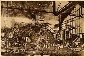 Creusot steam hammer - The Creusot steam hammer at work in its original location