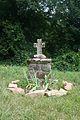 Melagues St-Pierre Cats croix.JPG