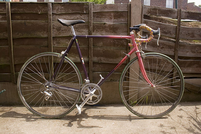 Datei:Mercian road bike profile shot.jpg