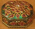 Miniature box, North India, 18th-19th century, gold, rubies, diamonds and enamel, Honolulu Academy of Arts.JPG