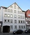 Mit Blechschindeln verkleidetes Fachwerk Wohnhaus um 1776 - Eschwege Brückenstraße 28 - panoramio.jpg