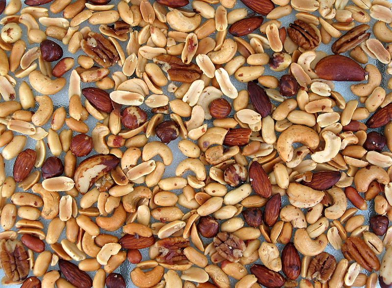 ملف:Mixed nuts spread.jpg