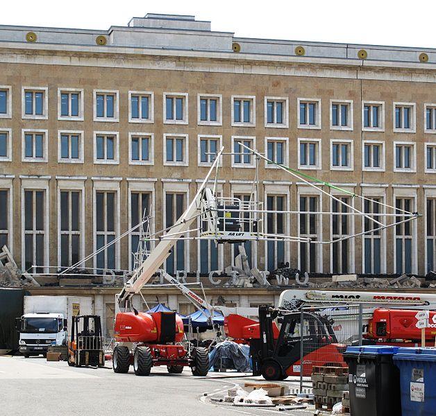 File:Mockingjay filming district two Tempelhof airport Berlin 01.jpg