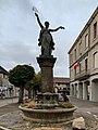 Monument à la Révolution française (Serrières-de-Briord), vue avant (au petit matin).jpg