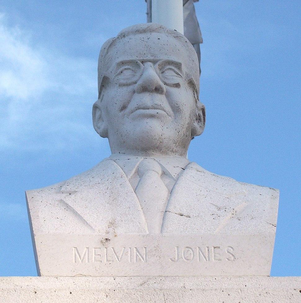 Monumento a Melvin Jones (Madrid) 02