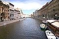 Moyka river from the Green bridge in Saint Petersburg.jpg