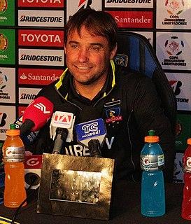 José Luis Sierra Chilean football coach and former player (born 1968)