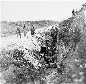 Beaumont-Hamel Newfoundland Memorial - Newfoundland soldiers waiting in St. John's Road support trench