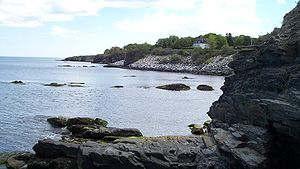 Newport, Rhode Island - Shoreline of the Easton Bay looking south from cliffside at east end of Narragansett Ave.