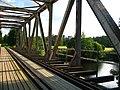 Noormarkunjoen rautatiesilta länteen.jpg