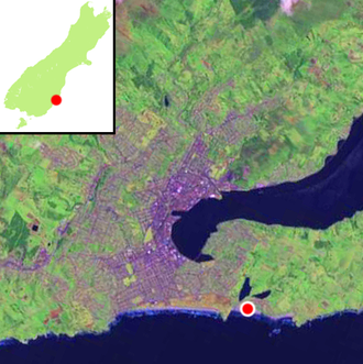 Ocean Grove, New Zealand - Location of Ocean Grove (shown by red dot) within Dunedin. The two lobes of Tomahawk Lagoon can be clearly seen.
