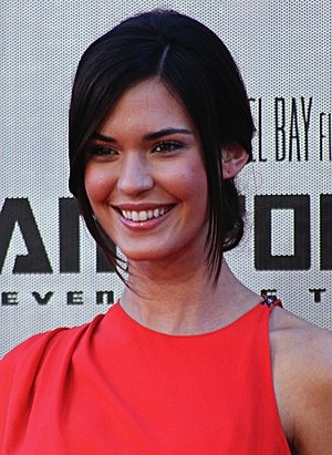 Odette Annable - Annable in June 2009