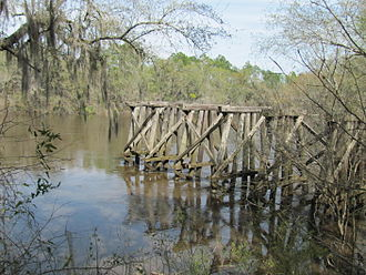 Withlacoochee River (Suwannee River tributary) - Image: Old Valdosta Railway Bridge on the Withlacochee River