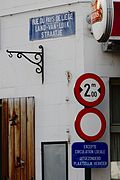 Old and new street signs in Brussels.jpg