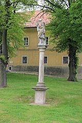 Sloup se sochou svatého Floriána