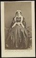 Ommeganck, Clément - carte de visite, Portret van een vrouw met een hoepelrok.tif