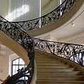 P1130887 Paris VIII Petit-Palais escalier rwk.jpg