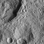 PIA20577-Ceres-DwarfPlanet-Dawn-4thMapOrbit-LAMO-image82-20160320.jpg