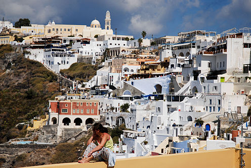 Panoramic view of the Catholic quarter of Fira, Fira, Santorini island (Thira), Greece.jpg