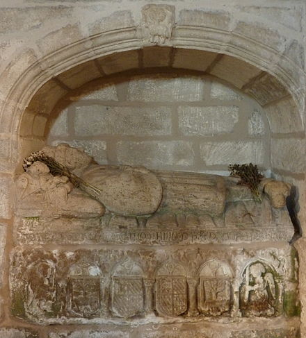 Sepulchre of a merchant: Pero Carneiro, son of Pero Afonso da Corredoira, in the church of St. Mary a Nova, Noia Pero Carneiro.JPG