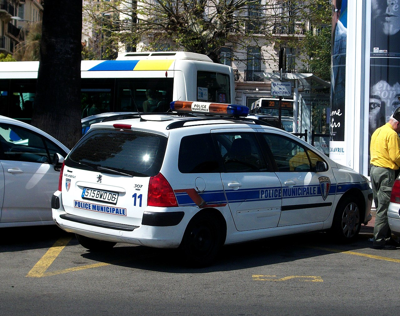 File peugeot 307 sw police municipale cannes 2013 jpg for Police cannes