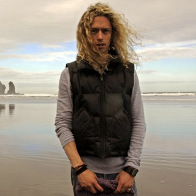 Picture of a band or musician: Phil Joel