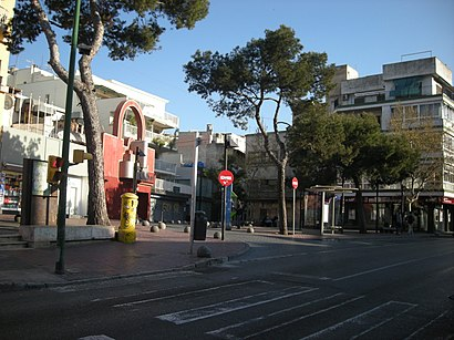 How to get to Plaça Gomila with public transit - About the place