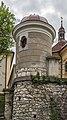 Poertschach Kirchplatz 11 alter Friedhof Eckkapelle 04052015 3140.jpg