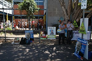 Lindsay Tanner - A polling booth in Lindsay Tanner's electorate of Melbourne.