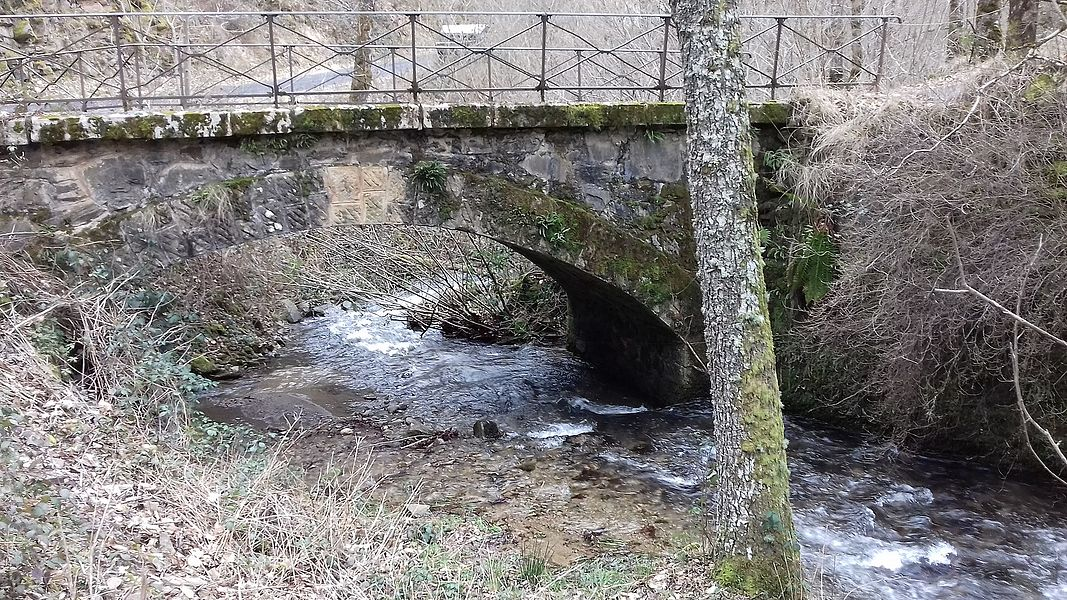 Le pont des Gandalgues (1911) qui traverse le ruisseau du Bonance.Pomayrols, Aveyron, France