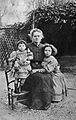 Portrait of Marie Curie and her daughters, 1908 Wellcome L0001758.jpg
