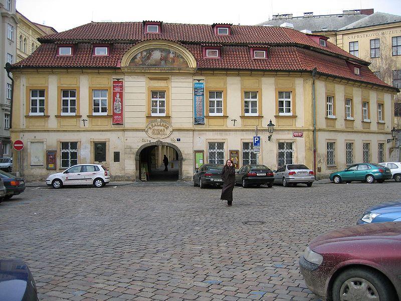 Náprstkovo muzeum, Praha, foto Gabriel Millos, Wikipedia, org