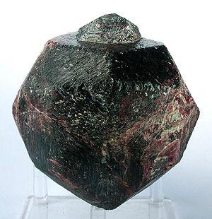 Pyrope - Image: Pyrope 260132