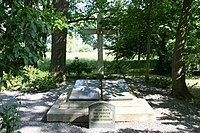 Quitzdorf Sproitz - Seer Straße - Soldatenfriedhof 07 ies.jpg