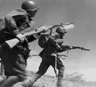 SVT-40 - Soviet soldiers with SVT-40 rifles.
