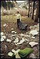ROADSIDE TRASH PICK-UP (FROM THE DOCUMERICA-1 EXHIBITION. FOR OTHER IMAGES IN THIS ASSIGNMENT, SEE FICHE NUMBER 21.) - NARA - 552947.jpg
