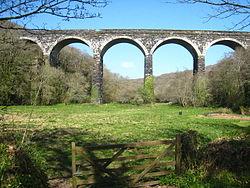 Railway viaduct at Trenowth (geograph 2352295).jpg
