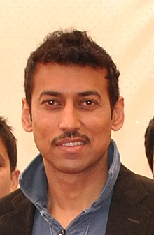 Rajyavardhan Rathore with the school children - TEDxShekhavati 2011 (cropped).jpg