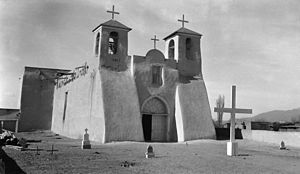 Ranchos de Taos, New Mexico - Image: Rancho de Taos church 1