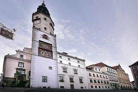 Rathaus-Görlitz-komplette-Vorderansicht-2016.jpg