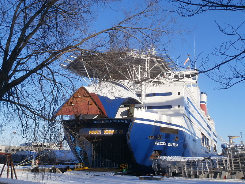 File:Regina Baltica in Lahesuu sadam Tallinn 19 January 2014.JPG