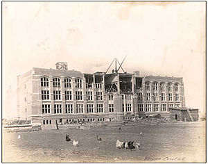 University of Regina - Regina College, designed by James Henry Puntin (architect), under construction on 16th Avenue (now College Avenue), 1913