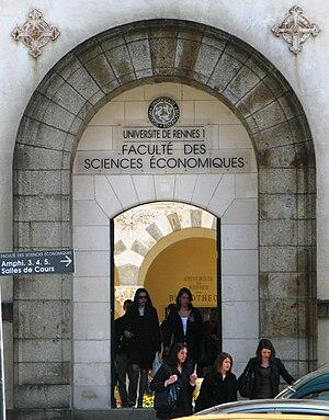 University of Rennes 1 - Image: Rennes Université Rennes 1 Entrée faculté d'économie