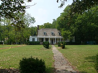 Leesylvania (plantation) - There are no records of Leesylvania's construction but it likely looked similar to nearby Rippon Lodge (pictured), built around the same time.