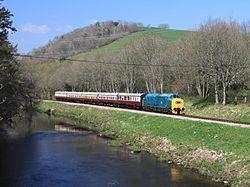 Riverford - D6975 up train.JPG