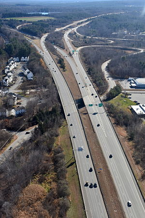 Interstate 190 (Massachusetts) - I-190 interchange with Route 2 in Leominster, MA