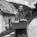 """Roza Leban, Vojsko, pri Štefanu z """"beračem"""" 1959.jpg"""
