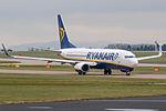 Ryanair Boeing B737 EI-DHC (25559261352).jpg