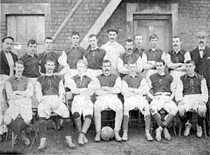 History of Swindon Town F.C. - The Swindon Town team of 1898-99 in green