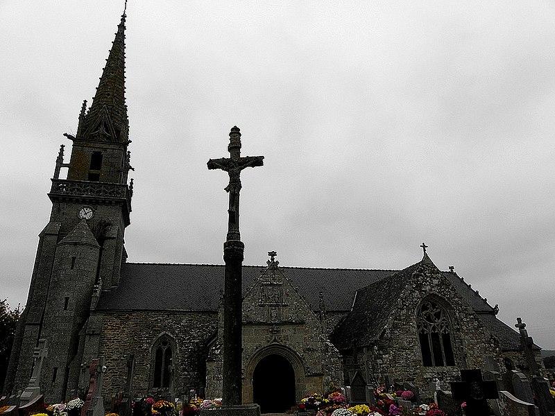 Église Saint-Fiacre, commune de Saint-Fiacre (22). Vue méridionale.